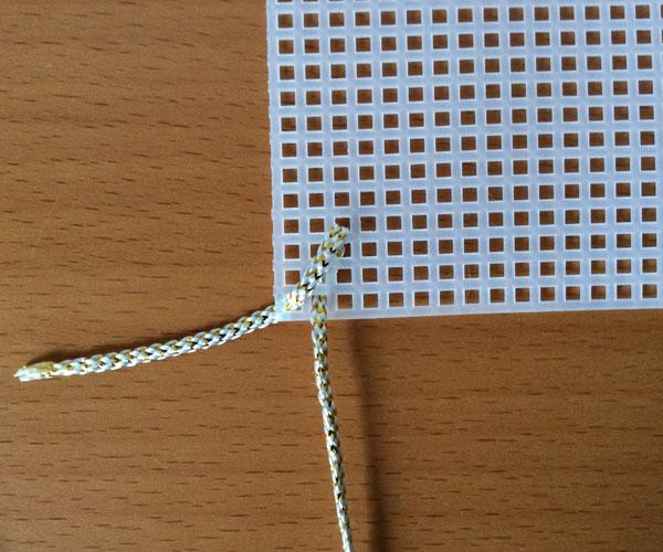 Goldener Canvas-Kunststoffbeutel und -geflecht - Perles & Co