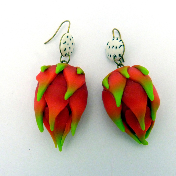 Boucles-oreilles-Fruit-dragon-polymere
