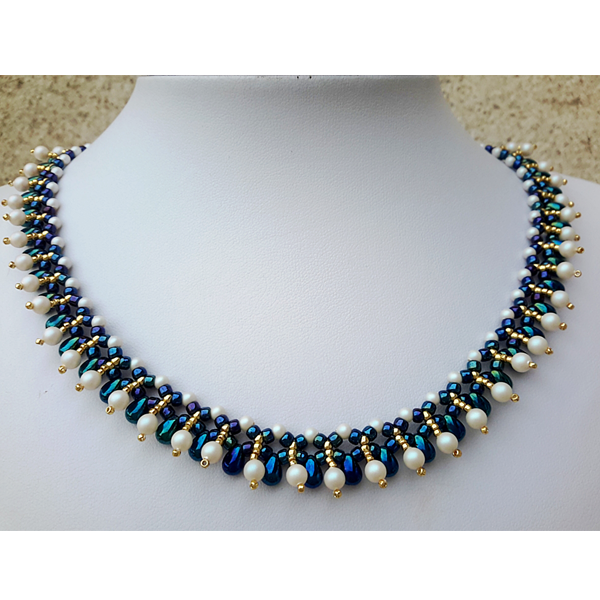 elegante Halskette mit Swarovski Perle, Mini-Rock-Tropfen und Toho ... 720fa571a8