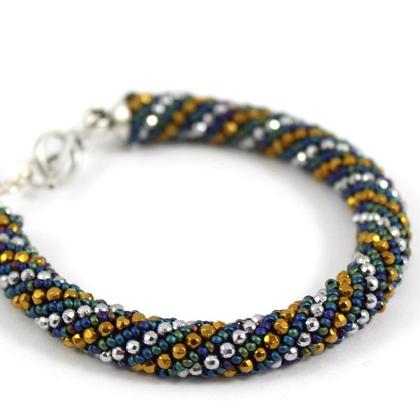 Eine russische Spirale Armband mit Mini-Hämatit - Perles & Co