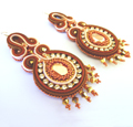Ohrringe in Soutache-Technik mit Strasskette