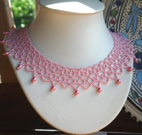 Relativ Netting Rose Halskette mit Rocailles und Swarovski Perlen - Perles QD93